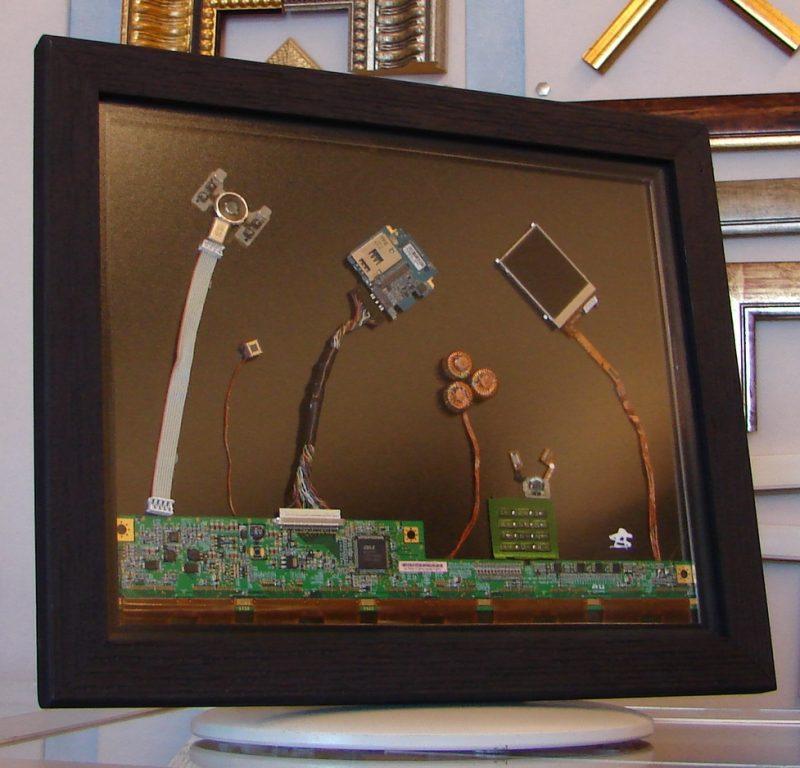"""""""Λουλούδια""""… πρωτότυπο, αυθεντικό έργο από ανακυκλώσιμα ηλεκτρονικά εξαρτήματα, άμεσης τεχνικής 49,5Χ39"""