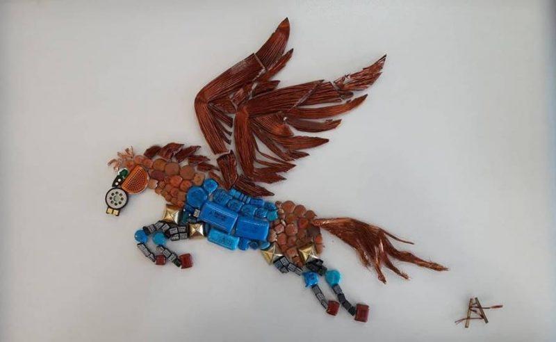 """""""Πήγασος""""… πρωτότυπο, αυθεντικό έργο από ανακυκλώσιμα ηλεκτρονικά εξαρτήματα, άμεσης τεχνικής 54χ41"""