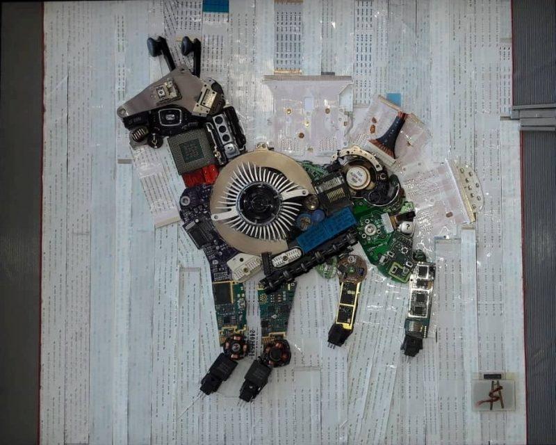 """""""Roxani""""… πρωτότυπο, αυθεντικό έργο από ανακυκλώσιμα ηλεκτρονικά εξαρτήματα, άμεσης τεχνικής 62,5χ52,5"""
